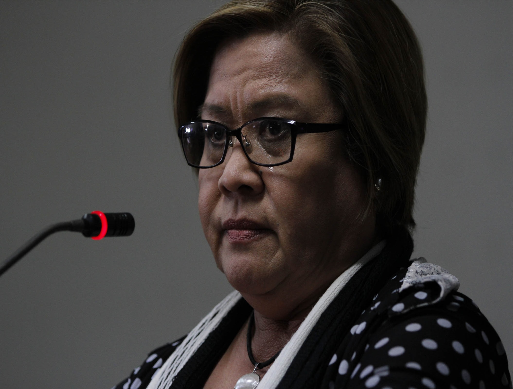 Senator Leila De Lima tries to hold off tears while giving a statement on her arrest warrant during a press conference at the Senate on Thursday (Feb. 23, 2017). (PNA photo by Avito C. Dalan)