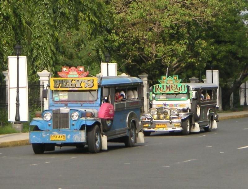 MMDA eyes regulating jeepneys along EDSA  (Photo  by User: (WT-shared) Thorsten at wts wikivoyage [CC BY-SA 4.0-3.0-2.5-2.0-1.0)