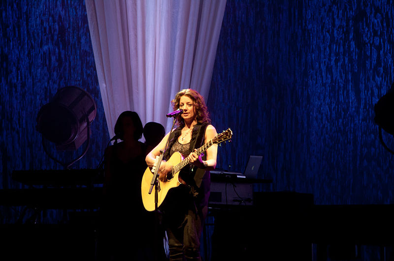 Sarah McLachlan to be inducted into Canadian Music Hall of Fame  (Photo by InSapphoWeTrust from Los Angeles, California, USA (Sarah McLachlan and Friends, 12 February 2011) [CC BY-SA 2.0)