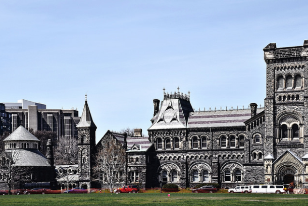 U.S. students affected by Trump's travel ban look to Canadian universities (Photo: Blok 70/Flickr)