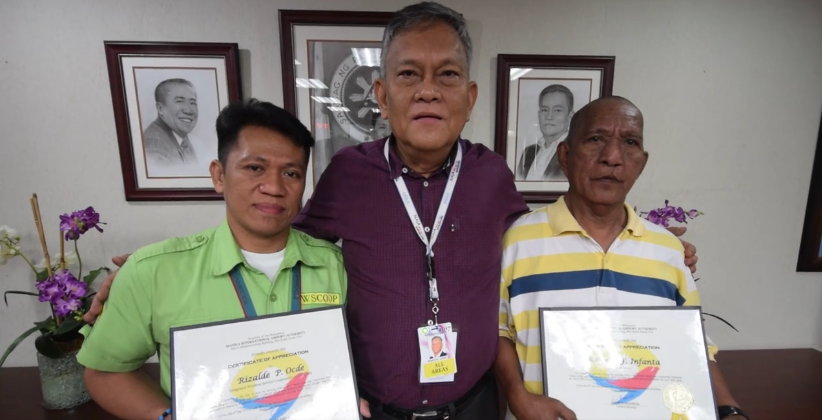 The Department of Transportation has cited two airport personnel and a taxi driver for demonstrating the value of honesty. (Photo (Screenshot): Raoul C Esperas/ Facebook)