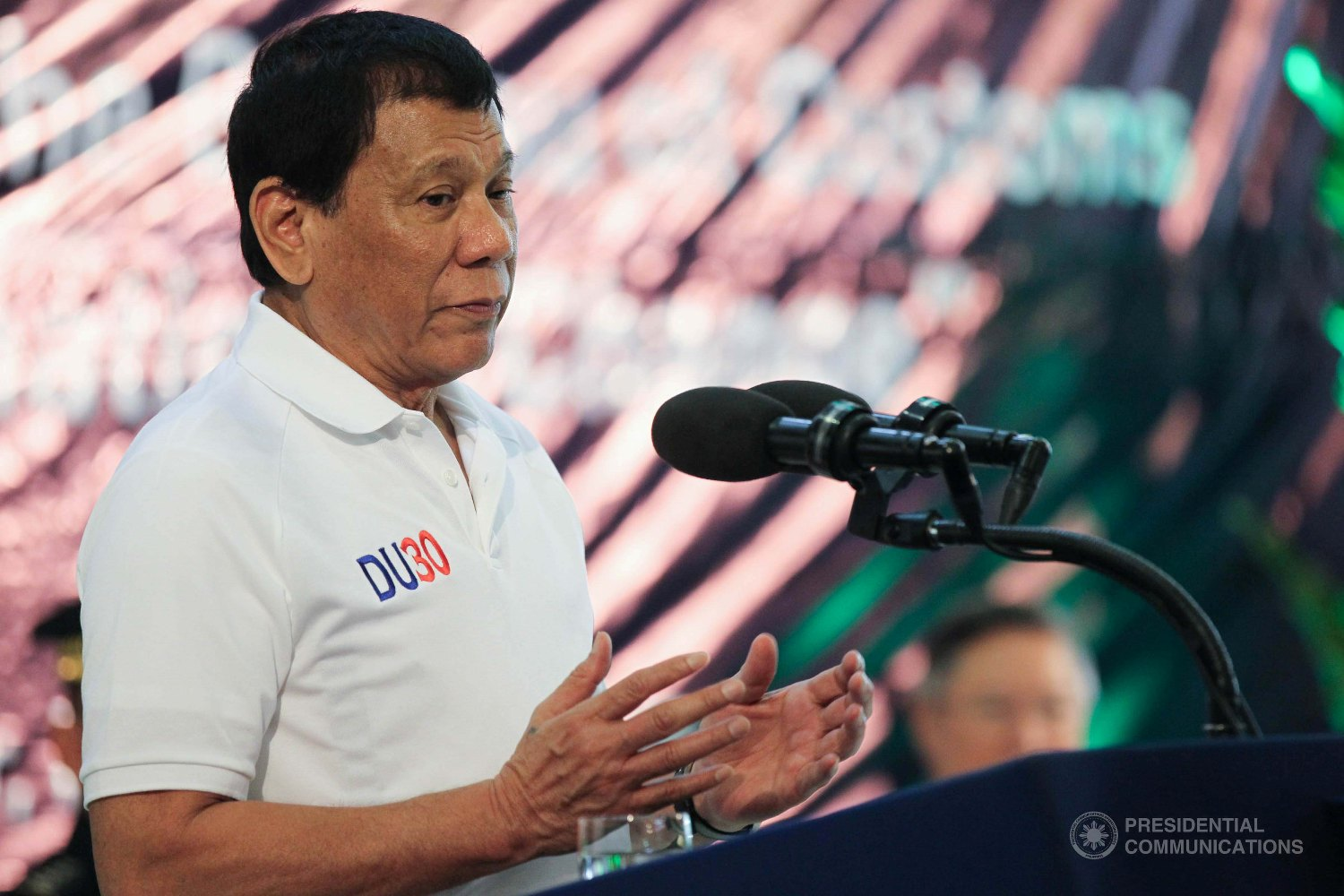 President Rodrigo Duterte has approved the granting of one-time 'gratuity pay' to job order (JO) and contract of service (COS) workers in the government. (Photo: SIMEON CELI JR./Presidential Photo)