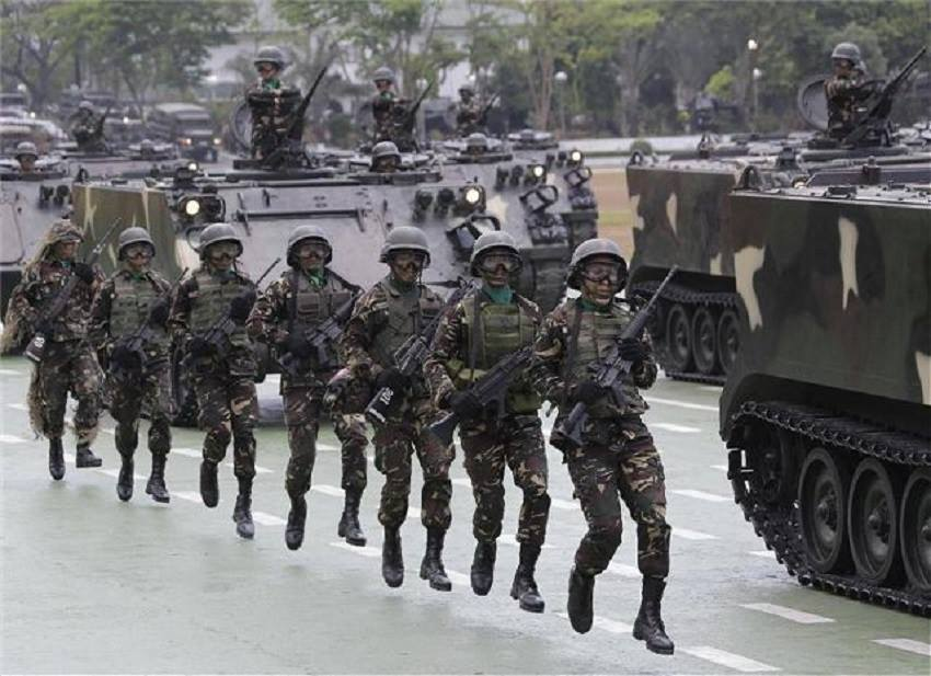 The military on Saturday lauded the Boholanos for the timely information about the presence of 10 heavily armed Abu Sayyaf terrorists that slipped into the shorelines of Bohol early last Tuesday that nipped in the first terror attack on Bohol. (Photo: Armed Forces of the Philippines/Facebook)