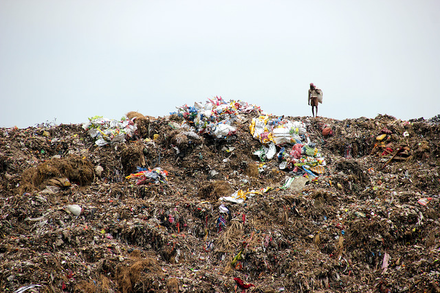 The death toll from the collapse of a garbage dump in Sri Lanka rose to 20 on Sunday, the disaster management center said. (Photo: Ignazio Carpitella/ Flickr)