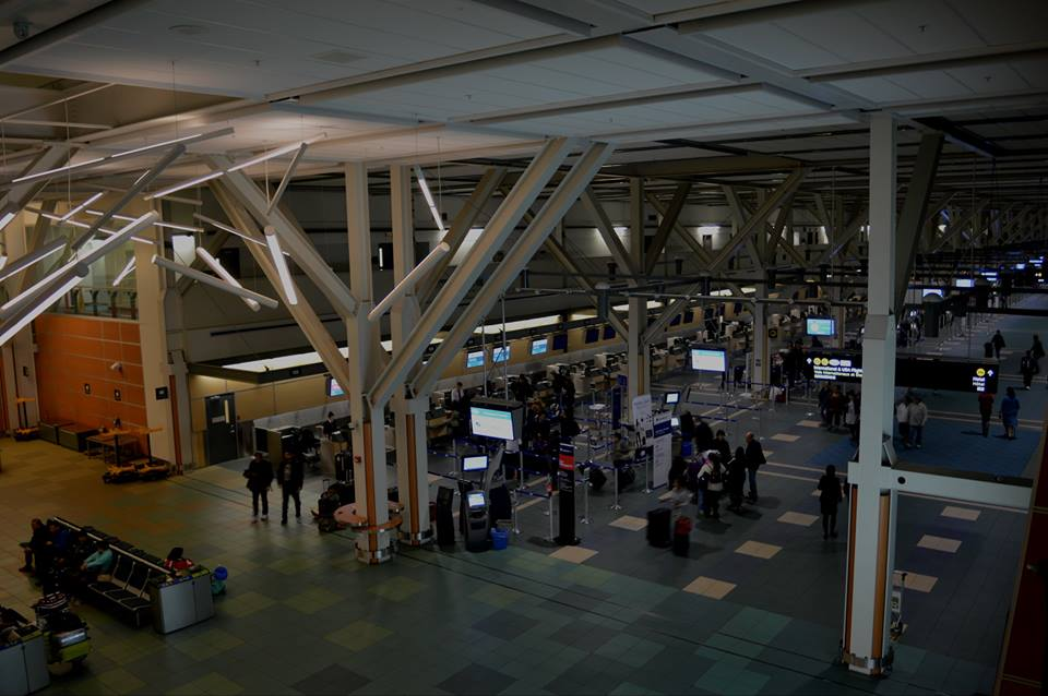The issue caused hours-long lineups for people checking in at the U.S. departures side of the airport. (Photo: Vancouver International Airport/ Facebook)