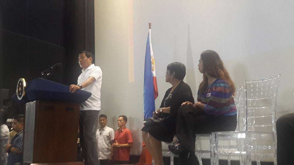 """""""Alam mo, motion picture mirrors life or life mirrors the movies. Ganoon 'yan. So it behooves upon you really to do the social aspect of what's happening to our country,"""" he said in his speech at the Cinema 1 of the SM Mall of Asia in Pasay City. (Photo: Cine Lokal/ Facebook)"""