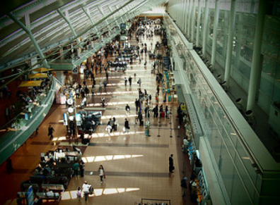 US intelligence and law enforcement agencies claim that laptop bombs developed by the Islamic State (banned in Russia) and other terror groups may be able to evade airport security screening, media reported. (Photo: whity/Flickr)