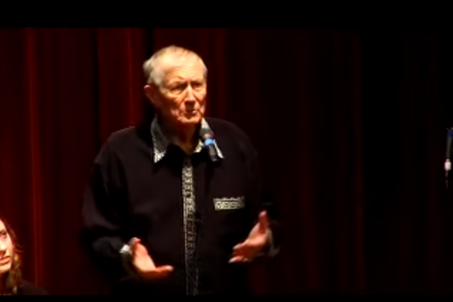 Yevtushenko's son, Yevgeny Y. Yevtushenko, said his father died at about 11 a.m. and that doctors said he was suffering from stage 4 cancer. (Photo: UChicagoCIS/ Youtube)