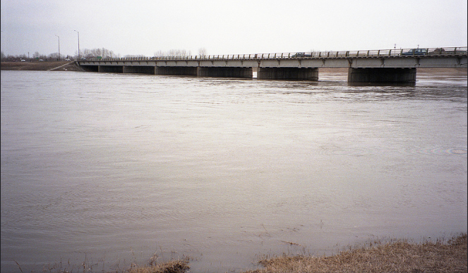 The number is down from 50 properties that would have been affected before the Red River Floodway was activated Friday, channelling water around the city. (Photo: Robert Linsdell/ Flickr)
