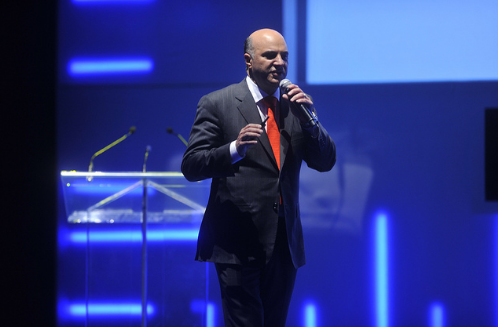 Celebrity investor and reality-TV star Kevin O'Leary, who rattled Conservative cages three months ago when he joined the party's leadership race, did it again Wednesday by quitting a contest observers believe he had every chance of winning. (Photo: Randstad Canada/Flickr)