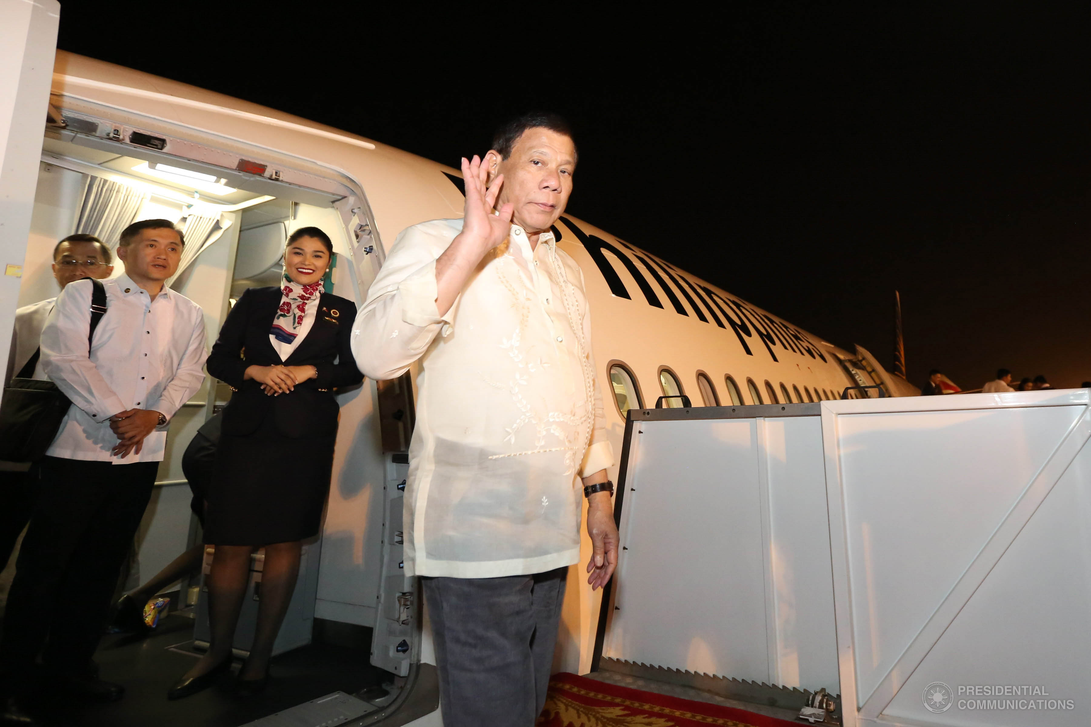 President Rodrigo Roa Duterte on Monday, April 17, vowed that government will provide assistance for the repatriation and livelihood of overseas Filipino workers (OFWs), as he welcomed more than 100 amnesty availees from Saudi Arabia. (Photo: KING RODRIGUEZ/Presidential Photo)