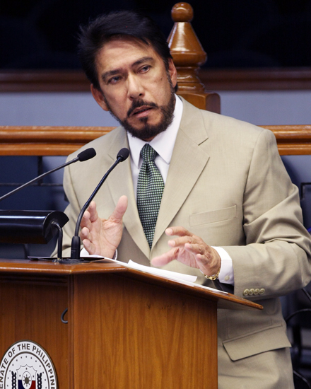 Senate Majority Leader Vicente Sotto III on Thursday claimed that Pres. Rodrigo Duterte had brought up plans to fire Interior Secretary Ismael Sueno as early as two weeks ago. (Photo by Public Relation and Information Bureau [Public domain],)