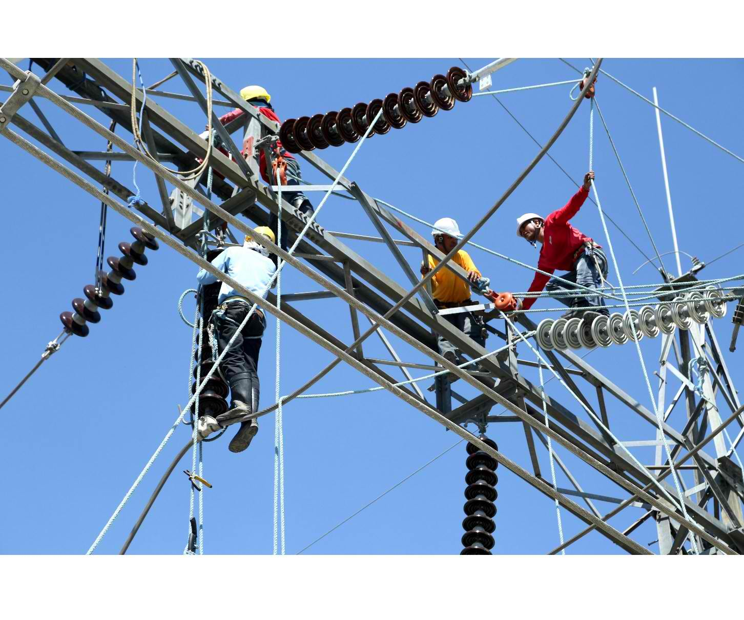The power firm said in an advisory that the grid lost a capacity of 2,584 megawatts. It affected Batangas, Laguna, Quezon, Ilocos Sur, La Union, Pangasinan, Bataan, Tarlac and Nueva Ecija. (Photo: National Grid Corp. of the Philippines )