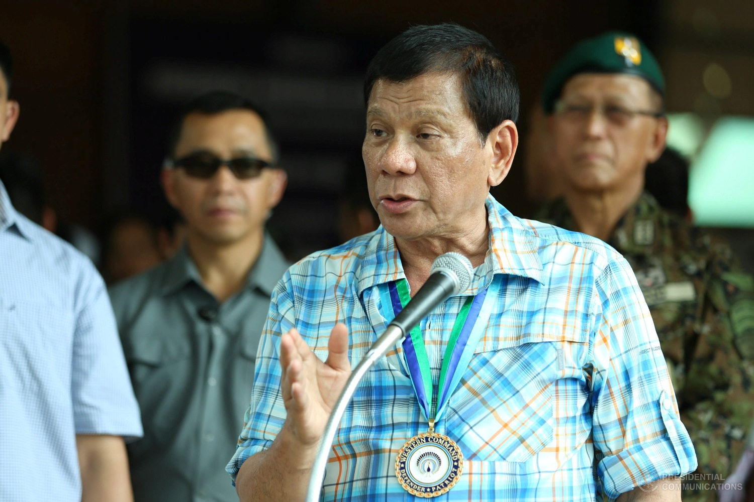 President Rodrigo Duterte today (Friday) awarded the Wounded Personnel Medallion (WPM) to 28 soldiers of the 41st Infantry Battalion (41st IB) who were wounded-in-action (WIA) after a three-hour crossfire with members of rebel group, Abu Sayyaf. (Photo: KARL NORMAN ALONZO/Presidential Photo)
