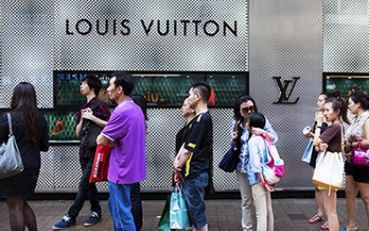 As in other emerging markets, prices of luxury goods in China are being adjusted downwards to bring them in line with global markets (PNA PHOTO)