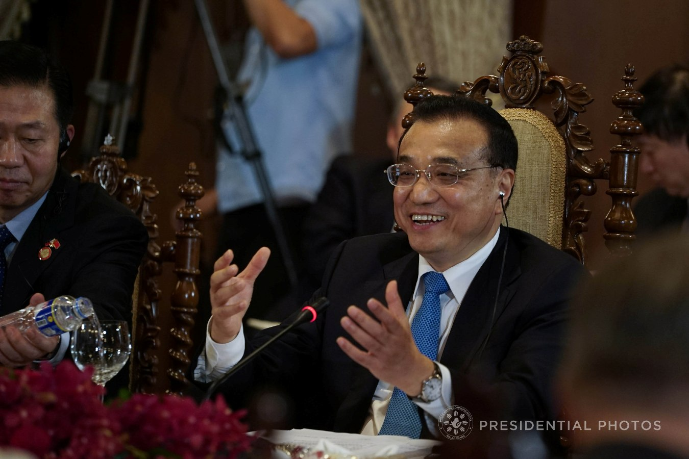 FILE: People's Republic of China State Council Premier Li Keqiang reacts while discussing matters with President Rodrigo Roa Duterte KING RODRIGUEZ/PRESIDENTIAL PHOTO