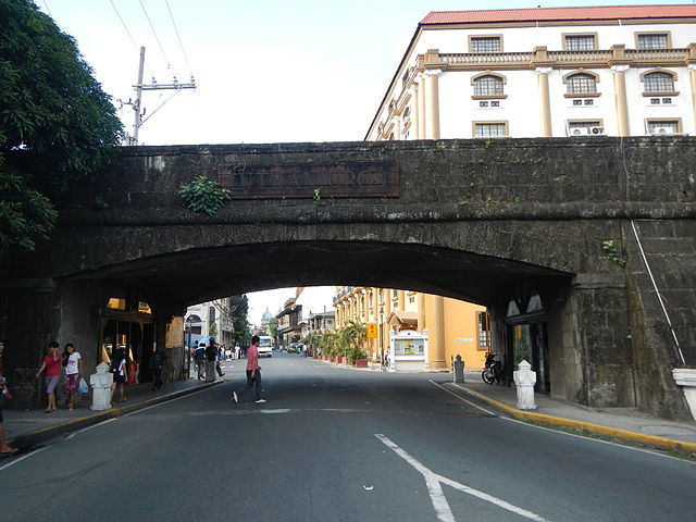 The southern entrance of Intramuros on General Luna Street (Photo By Ramon FVelasquez - Own work, CC BY-SA 3.0)