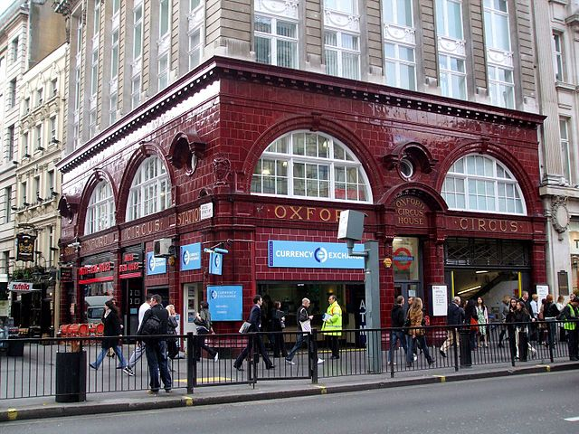 Oxford Circus tube station building, on Oxford Street. Once the Bakerloo railway building. (Photo By Sunil060902 - Own work, CC BY-SA 3.0)