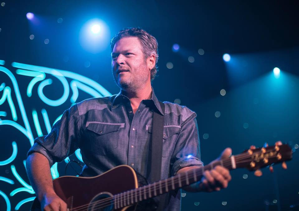 People magazine named Blake Shelton its Sexiest Man Alive for 2017 on Tuesday, but it took some convincing by his girlfriend Gwen Stefani to get her guy on board. (Photo: Blake Shelton/Facebook)