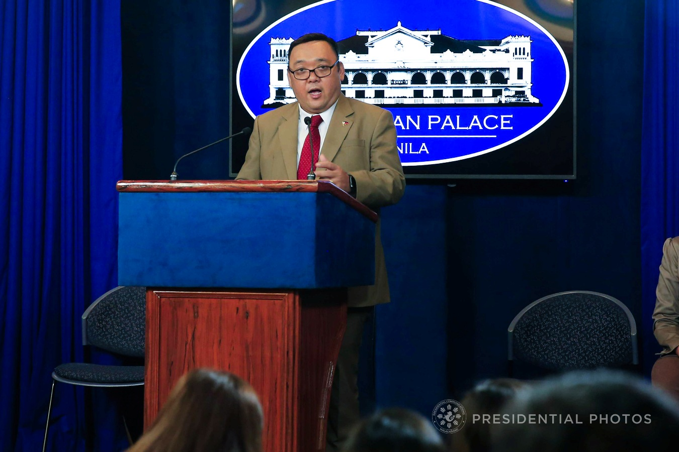 In a Palace briefing, Roque said it would be better for the Chief Justice to resign to protect the judiciary from the effect of a possible removal of its highest magistrate through impeachment for the second time. VALERIE ESCALERA/PRESIDENTIAL PHOTO
