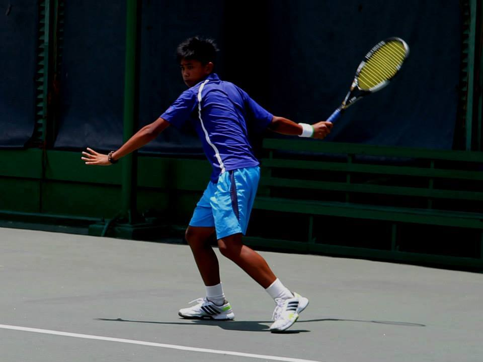Five Filipinos, led by top seed John Bryan Otico, marched to the second round of the boys' singles category in the Phinma-PSC International Juniors 2 at the Manila Polo Club indoor clay courts in Makati City on Wednesday. (Photo: John Bryan Decasa Otico/Facebook)