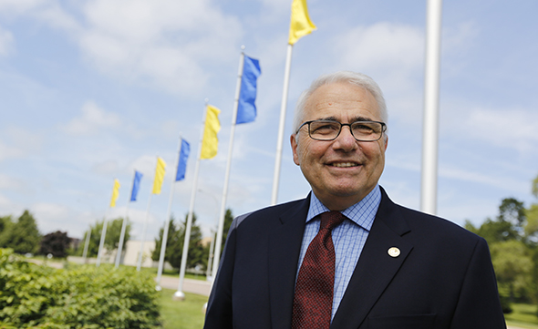 The Canadian Press has learned that Franco-Manitoban Raymond Theberge is the favoured choice to replace Graham Fraser. (Photo: umoncton.ca)