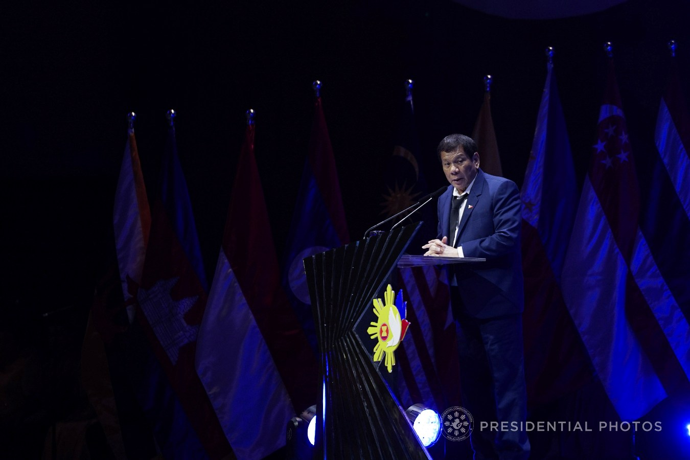 President Rodrigo Roa Duterte, in his speech during the closing ceremony of the 31st Association of Southeast Asian Nations (ASEAN) Summit and Related Summits at the Philippine International Convention Center on November 14, 2017, expresses the country's continuing commitment to building a strong and resilient ASEAN Community. KING RODRIGUEZ/PRESIDENTIAL PHOTO
