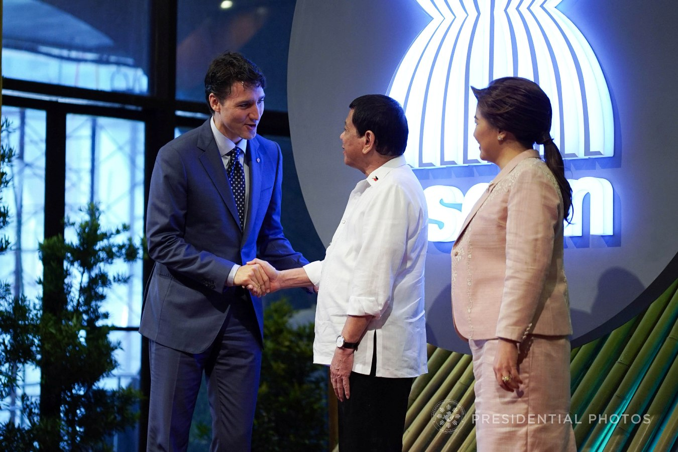 President Rodrigo Roa Duterte and his partner Honeylet welcome Canada Prime Minister Justin Trudeau prior to the opening of the 31st Association of Southeast Asian Nations (ASEAN) Summit and Related Summits at the Cultural Center of the Philippines in Pasay City on November 13, 2017. KING RODRIGUEZ/PRESIDENTIAL PHOTO