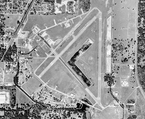 USGS digital orthophoto of Zephyrhills Municipal Airport in Florida (Photo By United States Geological Survey (USGS) - USGS The National Map, via MSR Maps (formerly TerraServer-USA)http://msrmaps.com/map.aspx?t=1&s=12&lon=-82.155833&lat=28.228333&w=800&h=800, Public Domain)