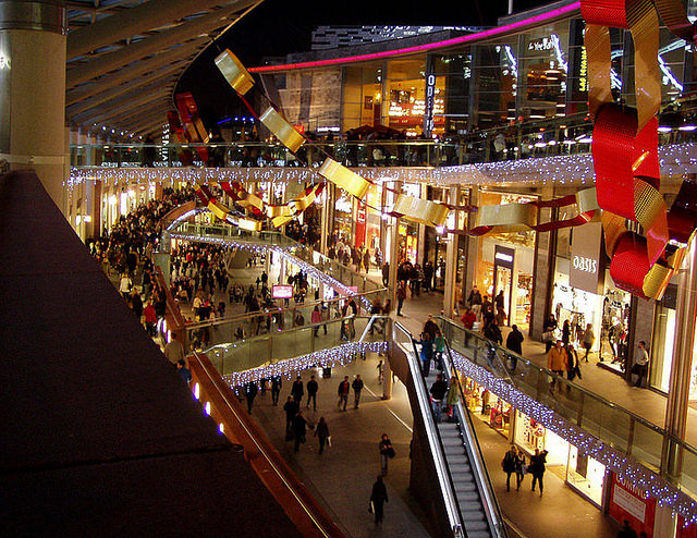 Many mall owners are spending billions to add more upscale restaurants and bars, premium movie theatres with dine-in options, bowling alleys and similar amenities. (Photo by The Liverpool School of English/Flickr, CC BY 2.0)