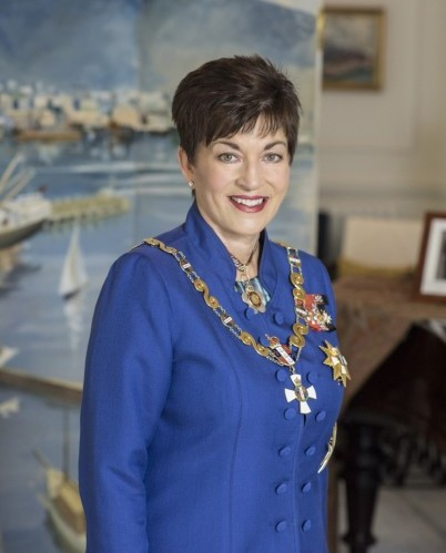 Patsy Reddy official portrait (Photo By Governor-General of New Zealand - https://gg.govt.nz/governor-general/biography-rt-hon-dame-patsy-reddy, CC BY-SA 4.0)