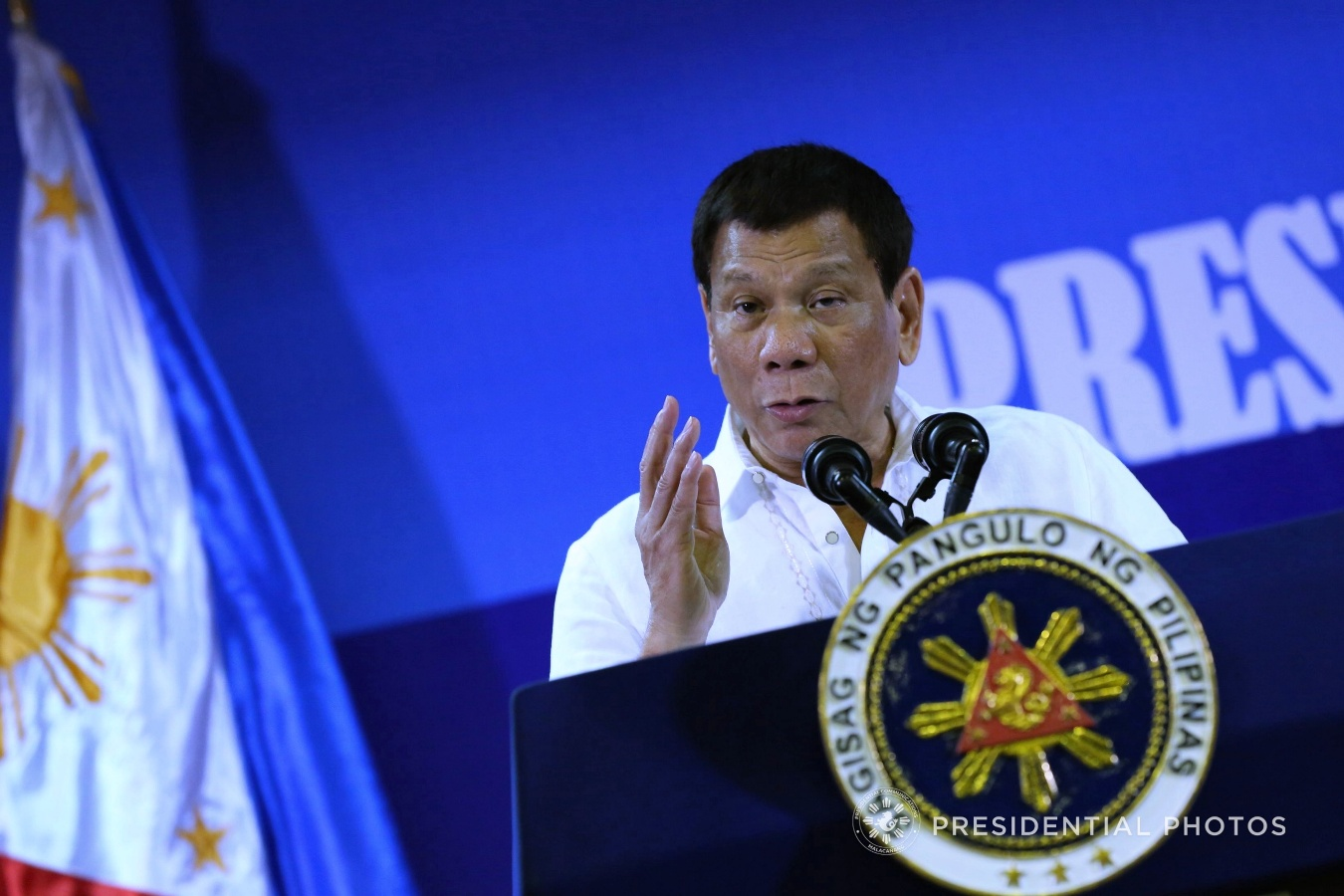 The Palace on Saturday, Dec. 23, attributed President Rodrigo Duterte's very good satisfaction ratings during the last quarter of 2017 to his administration's pro-poor initiatives. (PCOO PHOTO)