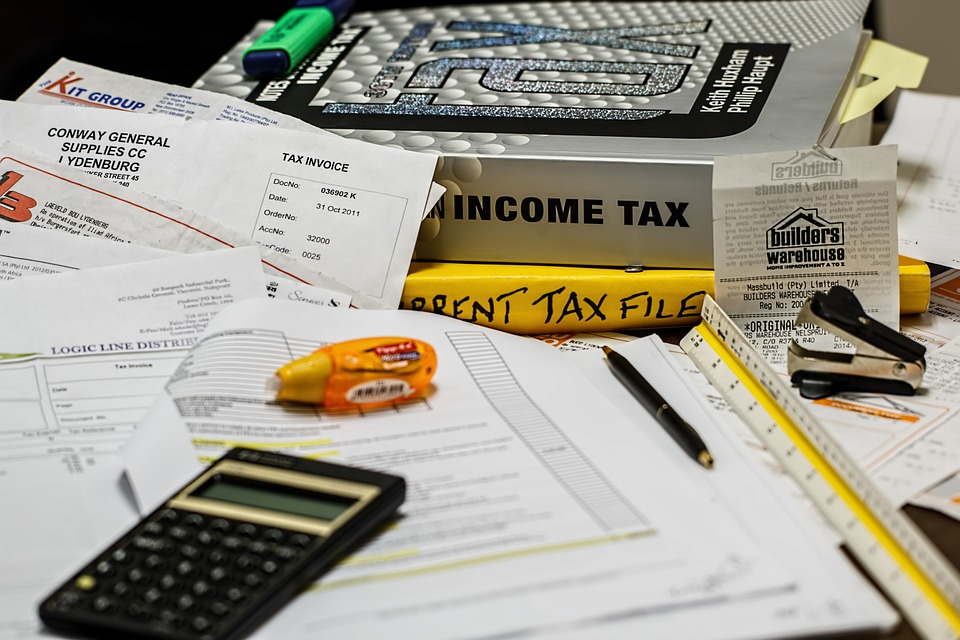 Homeowners are lining up in droves at local tax collection offices, hoping for one last chance to take advantage of a major tax deduction before it is wiped out in the new year. (Pixabay photo)