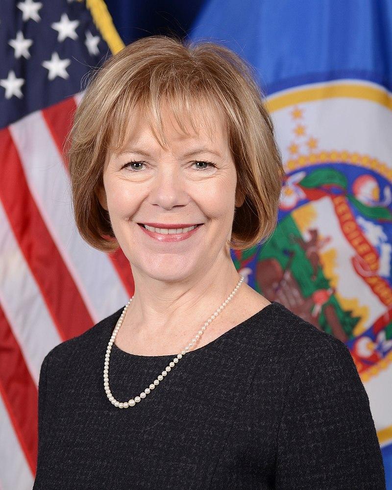 Tina Smith (Photo by Mark Dayton - https://www.flickr.com/photos/governordayton/16226946962/, CC BY 2.0)