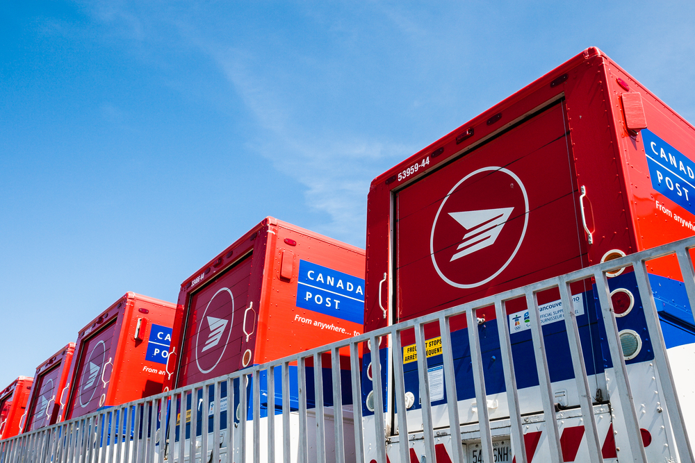 The federal Liberals will miss a second self-imposed deadline for deciding whether to restore door-to-door mail delivery to thousands of Canadians, says a government spokeswoman. (Shutterstock)