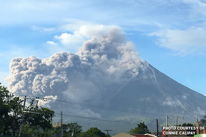 FILE: As of Jan. 29, around 84,000 residents from the province of Albay were evacuated due to the volcanic eruption since January 13. (PNA Photo)
