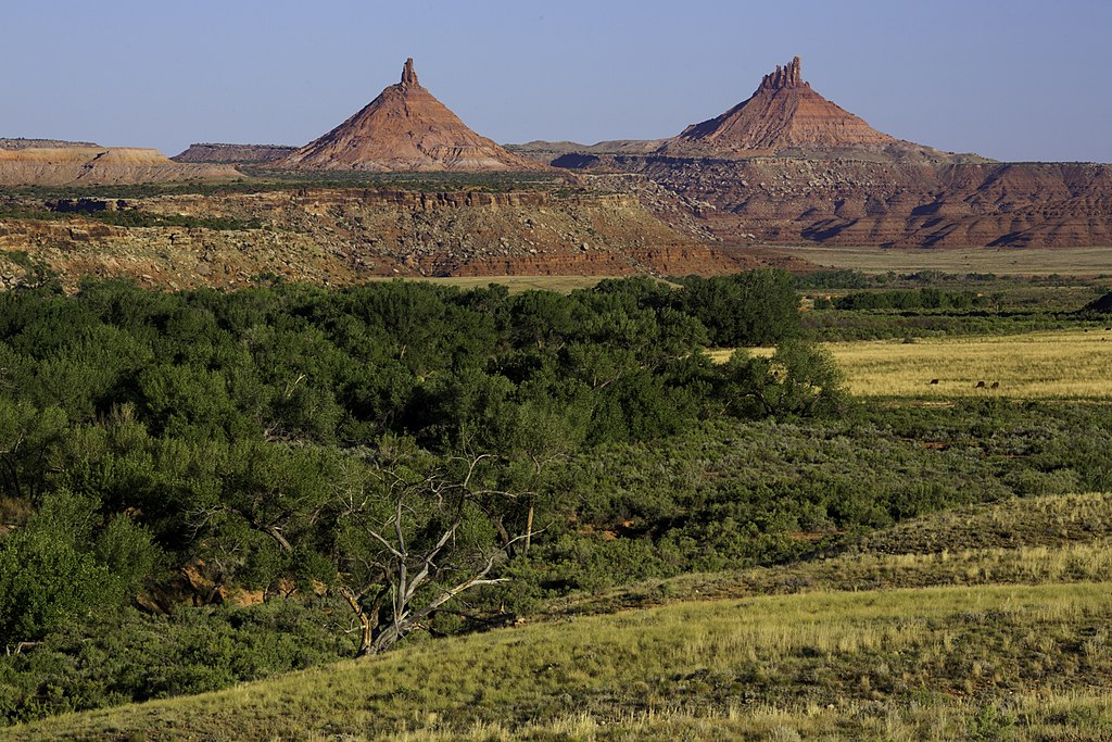Day Time in Indian Creek - the Sixshooter Peaks in Bears Ears National Monument (Photo By US Bureau of Land Management - http://mypubliclands.tumblr.com/, Public Domain)