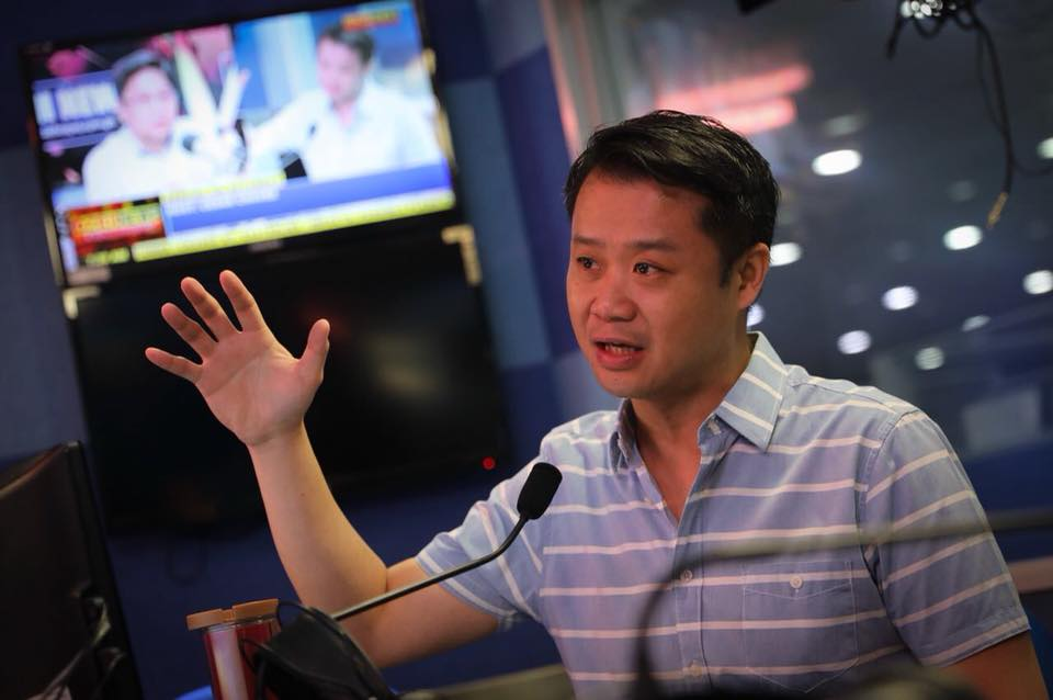 Gatchalian's call came after Comelec senior commissioners Christian Robert Lim and Arthur Lim retired. (Photo: Senator Win Gatchalian/Facebook)