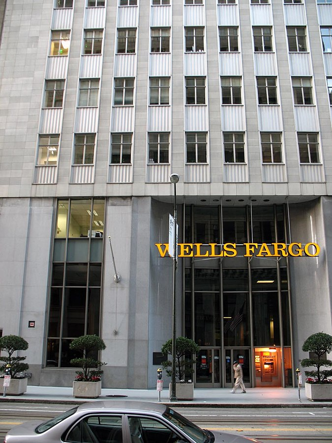 Wells Fargo, 464 California Street (Photo By Laimerpramer from wikipedia, CC BY-SA 3.0)