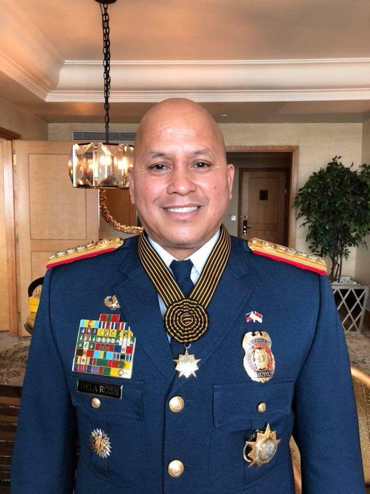 Philippine National Police (PNP) chief Director General Ronald Dela Rosa received the Medal of Honor from the Indonesian National Police (INP) on Wednesday. (Photo: Philippine National Police/Facebook)