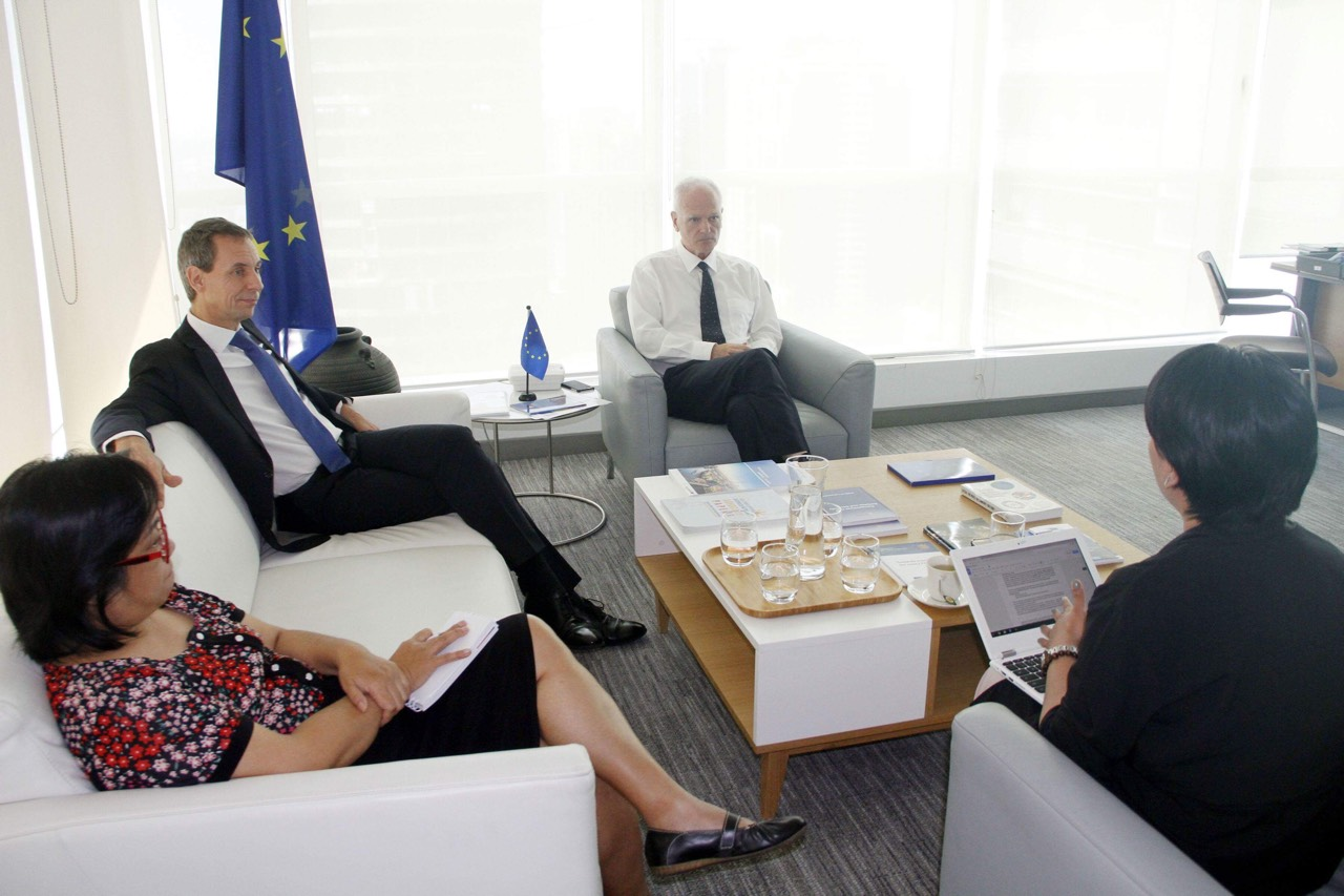 EU Delegation to the Philippines Head of Economic and Trade Section Walter van Hattum and EU Ambassador Franz Jessen in an interview with the Philippine News Agency (PNA). (PNA photo)
