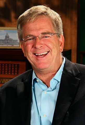Rick Steves (Photo by CarlosManzanoPHOTOs - https://en.wikipedia.org/wiki/File:Rick_Steves_On_The_Record.jpg, CC BY-SA 3.0)