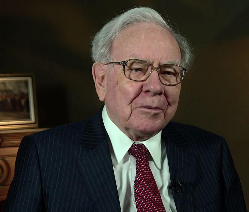 Warren Buffett at the 2015 SelectUSA Investment Summit (Photo By USA International Trade Administration - https://www.youtube.com/watch?v=GLKDFhCjaY4, Public Domain)