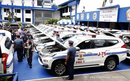 President Rodrigo R. Duterte on Monday, Feb. 12, led the turnover of patrol vehicles for three Philippine National Police (PNP) police stations in the province of Cebu. (PNA photo)