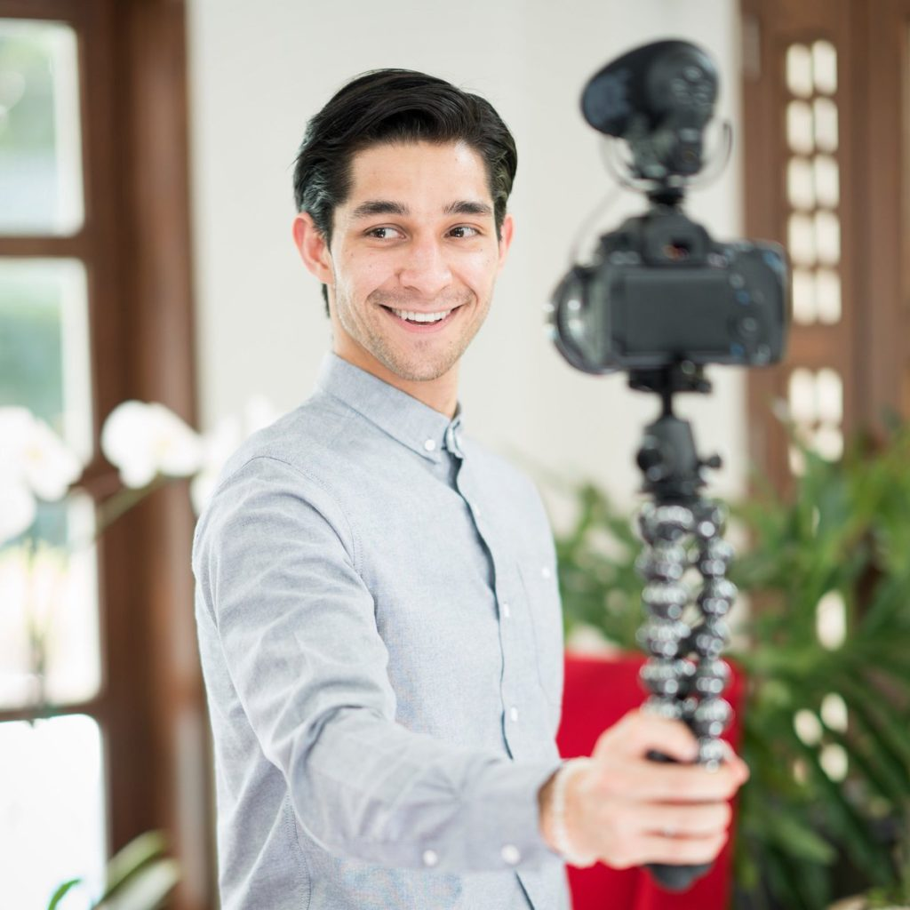 Shorty Awards Names Wil Dasovich As Vlogger Of The Year