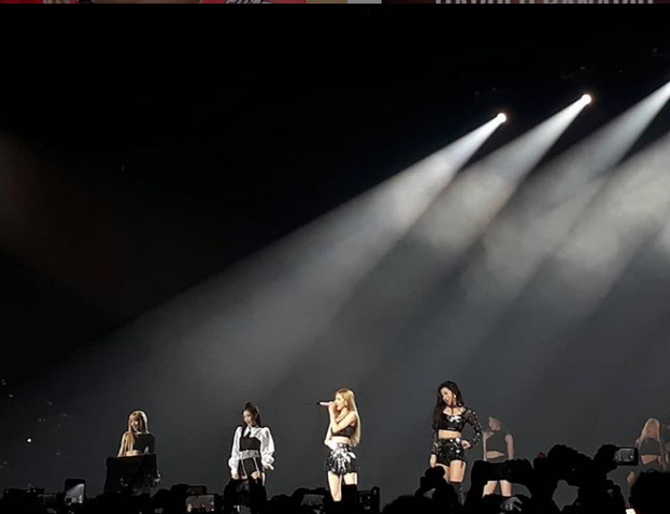 Thousands Of Filipinos Gather For Blackpink Concert In Manila
