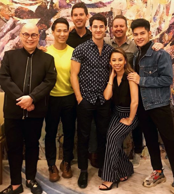Darren Criss Spotted In Manila Philippine Canadian Inquirer